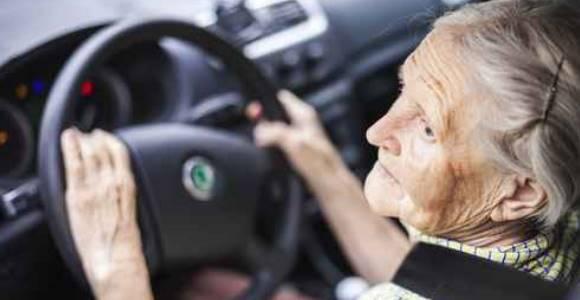 stage de conduite les seniors sur la route plus longtemps. Black Bedroom Furniture Sets. Home Design Ideas