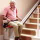 Monte-escaliers : des aides pour faire baisser la facture